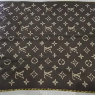 ルイヴィトン(LOUIS VUITTON)のルイヴィトン モノグラムブランケット M92067(毛布)