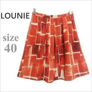 ルーニィ(LOUNIE)のLOUNIE*ルーニィ*赤総柄タック膝丈フレアスカート*40/L*日本製(ひざ丈スカート)