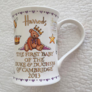 ハロッズ(Harrods)の未使用 新品 ハロッズ ロイヤルベビー マグカップ 2013 イギリス 王室(マグカップ)