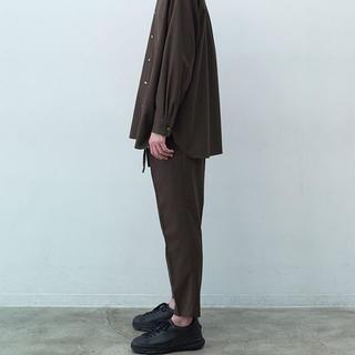 マーカウェア(MARKAWEAR)のマーカウェア 2019ss tight fit easy trousers (スラックス)
