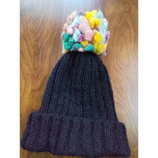 ザラ(ZARA)のザラポンポンニット帽子👒ブラック(ニット帽/ビーニー)