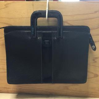 BURBERRY - バーバリー ビジネスバッグ ブリーフケース ブラック 型押しレザー