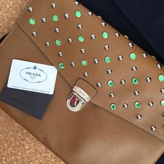 プラダ(PRADA)の確実正規品 PRADA ショーピース スタッズ クラッチバッグ bag(セカンドバッグ/クラッチバッグ)