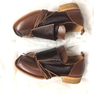 ジェーンマープル(JaneMarple)の👞JaneMarple レースアップ茶色ファー靴(ローファー/革靴)