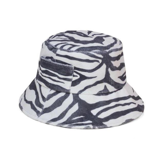 ALEXIA STAM(アリシアスタン)のLack of color ♡ ゼブラ柄バケットハット レディースの帽子(ハット)の商品写真