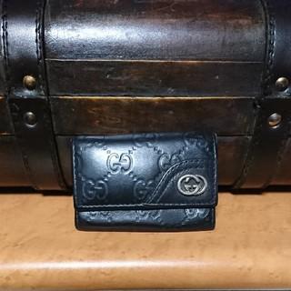 Gucci - GUCCI レザー 型押し キーケース