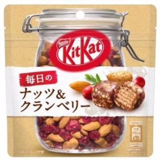 ネスレ(Nestle)のキットカット 毎日のナッツ&クランベリー(菓子/デザート)