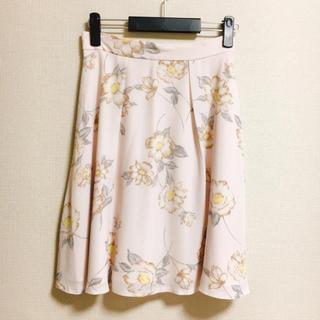 デビュードフィオレ(Debut de Fiore)の花柄スカート(ひざ丈スカート)