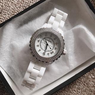 CHANEL - 本日中に売り切りたいです。CHANEL ホワイト 腕時計