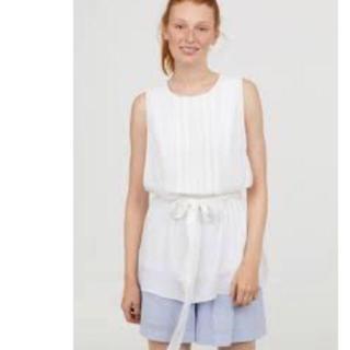 エイチアンドエム(H&M)の新品タグつき H&M Lサイズ 授乳口つきノースリーブブラウス 授乳服 ホワイト(マタニティトップス)