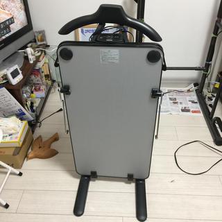 トウシバ(東芝)の東芝 TOSHIBA ズボンプレッサー HIP-T36 2018年製(ズボンプレッサー)