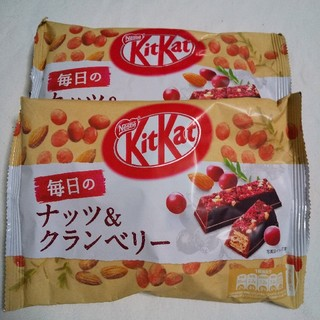 ネスレ(Nestle)のキットカット クランベリー(菓子/デザート)