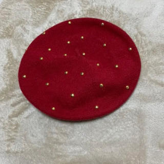 アズールバイマウジー(AZUL by moussy)のスタッズベレー帽 レッド(ハンチング/ベレー帽)