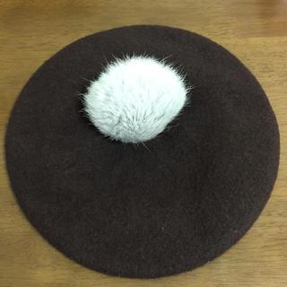 ダークブラウン ボンボン付き ベレー帽(ハンチング/ベレー帽)