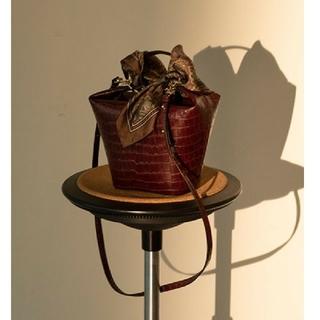 フレイアイディー(FRAY I.D)のFRAY I.D スカーフ付き台形ミドルボストンバッグ 2019(ショルダーバッグ)