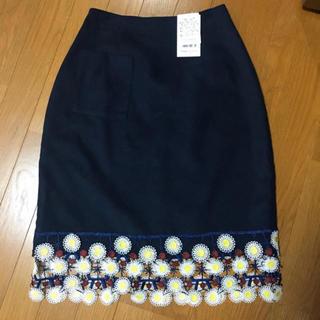 メリージェニー(merry jenny)のお花ペンシルスカート(ひざ丈スカート)