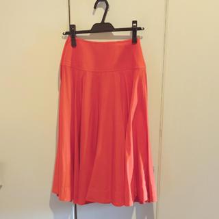 ユニクロ(UNIQLO)のユニクロu  オレンジ スカート (ひざ丈スカート)