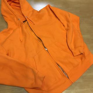 オレンジパーカー未使用Mサイズ裏起毛(パーカー)