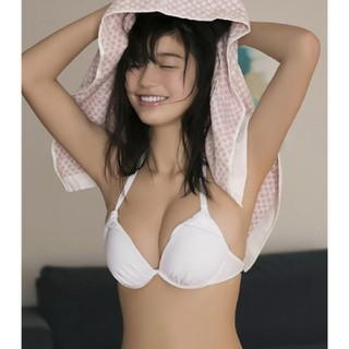 小倉優香■スポーツ・タオル■76cm*38cm(ソファカバー)
