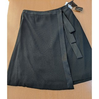 ソワール(SOIR)の新品未使用 ブラックデザインスカート40(ひざ丈スカート)