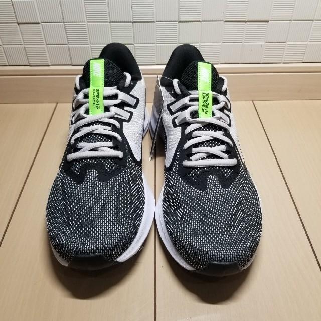 NIKE(ナイキ)の【新品送料込】ナイキ NIKE ダウンシフター9 メンズの靴/シューズ(スニーカー)の商品写真