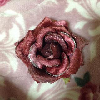 赤い薔薇のコサージュ(ブローチ/コサージュ)