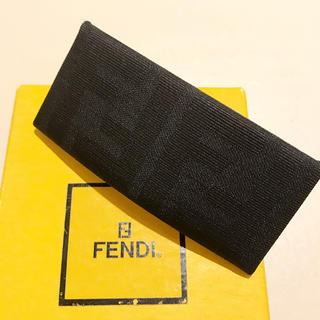フェンディ(FENDI)のFENDI ズッカ柄 バレッタ  フランス製(バレッタ/ヘアクリップ)