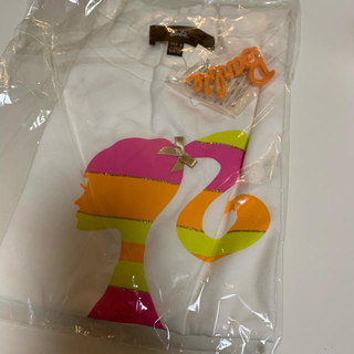 バービー(Barbie)のbarbie KIDS Tシャツ子供服 虹柄プッチ柄 バービーブローチ付き(Tシャツ/カットソー)