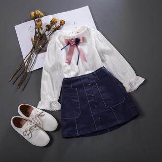 コサージュ オフホワイト長袖ブラウス×ネイビー デニム台形スカート2点セット(ワンピース)