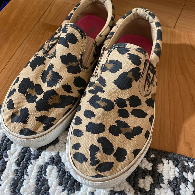 Old Navy(オールドネイビー)のoldnavy豹柄スリッポン☆サイズ表記5 レディースの靴/シューズ(スリッポン/モカシン)の商品写真