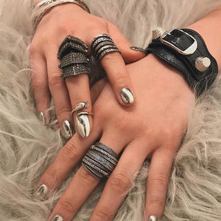 ヴィヴィアンウエストウッド(Vivienne Westwood)のヴィヴィアンウエストウッド アーマーリング(リング(指輪))