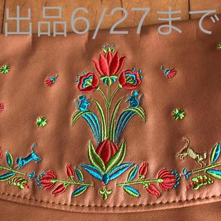 フェリシモ(FELISSIMO)のビビッドな猫刺繍ショルダーバッグ(ショルダーバッグ)