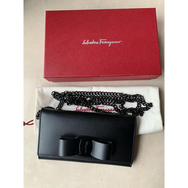 Iphone 8 ケース qi - Salvatore Ferragamo - 5、6回使用 フェラガモ スマホケース VARA ブラック チェーンの通販
