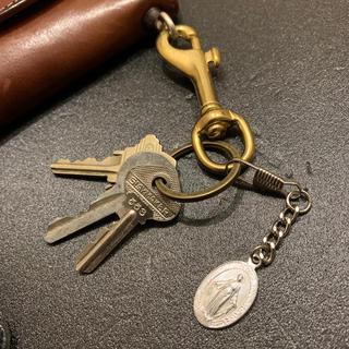 キャリー(CALEE)のアンティーク  キーホルダー キーリング 真鍮 タグ プレート ウォレット (キーホルダー)