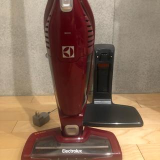 エレクトロラックス(Electrolux)の【使用1年】エレクトロラックス掃除機(掃除機)
