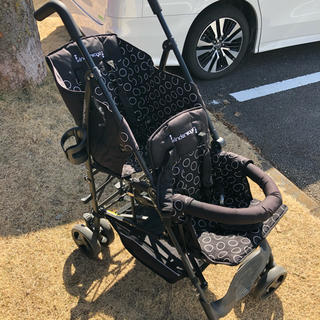 日本育児 - 2人乗りベビーカー 縦型