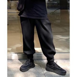 プリーツプリーズイッセイミヤケ(PLEATS PLEASE ISSEY MIYAKE)のHomme plisse Issey miyake プリーツパンツ black(サルエルパンツ)