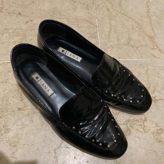 ダイアナ(DIANA)のDiana エナメルシューズ ゴールドスタッズ付(ローファー/革靴)