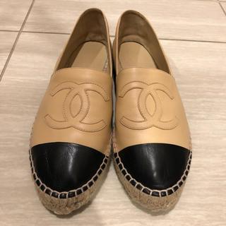 シャネル(CHANEL)のCHANEL エスパドリーユ ラムスキン ベージュ/ブラック 39 正規品(ローファー/革靴)
