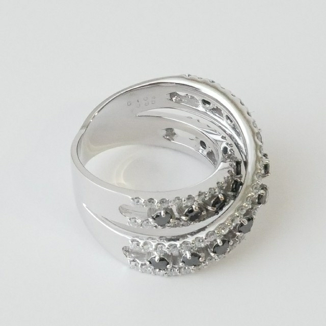PonteVecchio(ポンテヴェキオ)の極美品【ポンテヴェキオ】豪華 K18WG   ダイヤ×ブラックダイヤ リング レディースのアクセサリー(リング(指輪))の商品写真