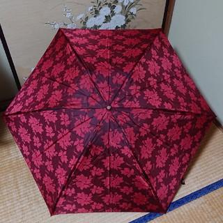 イヴサンローランボーテ(Yves Saint Laurent Beaute)のイヴ・サンローランの折りたたみ傘 ワインレッド ‼️(傘)