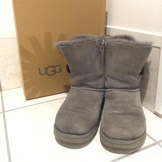 アグ(UGG)のアグ UGG ベイリーボタン BAYILEY BUTTON グレー US6 (ブーツ)