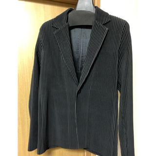 イッセイミヤケ(ISSEY MIYAKE)のISSEY MIYAKE homme plisse テーラードジャケット 黒(テーラードジャケット)