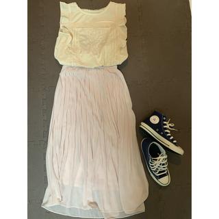 ユニクロ(UNIQLO)のピンク プリーツロングスカート(ロングスカート)