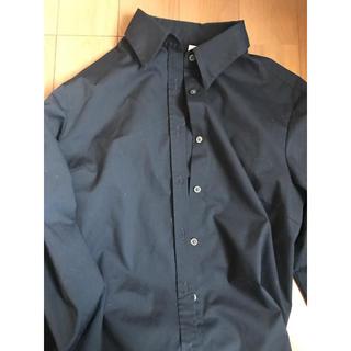 ユニクロ(UNIQLO)の黒のシャツ(シャツ/ブラウス(長袖/七分))