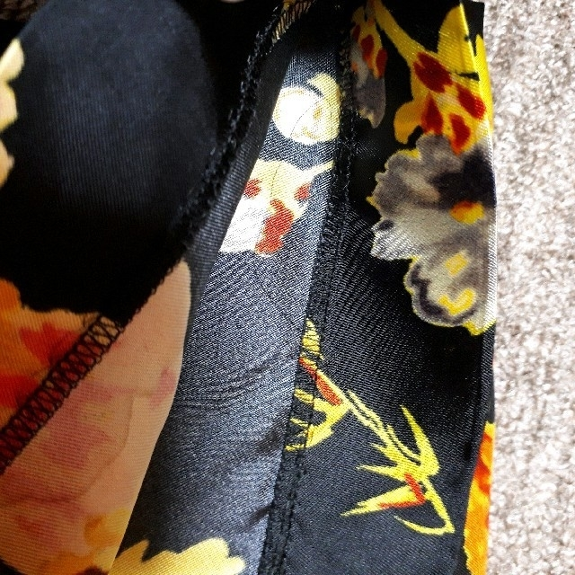 DRIES VAN NOTEN(ドリスヴァンノッテン)の値下げ💴⤵️新品未使用 2020ss 花柄 パンツ レディースのパンツ(カジュアルパンツ)の商品写真