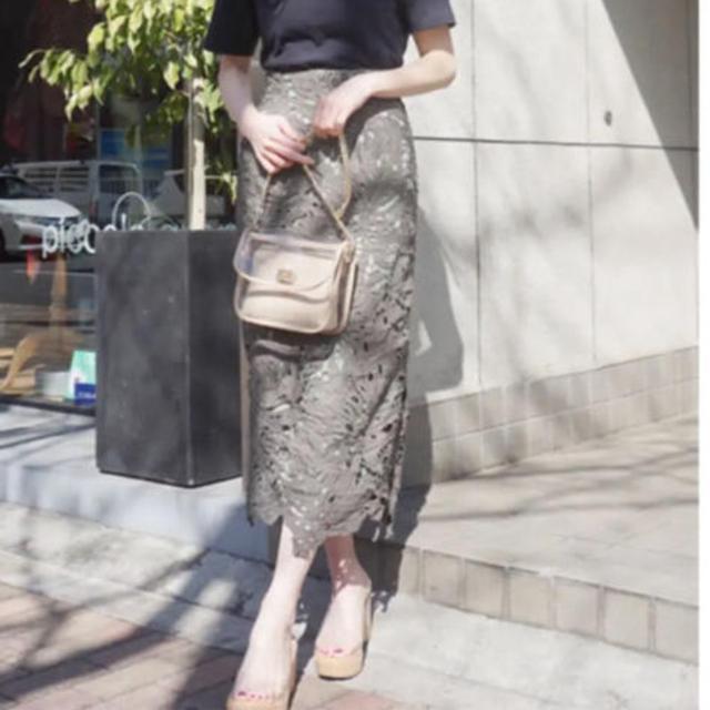 MERCURYDUO(マーキュリーデュオ)のマーキュリーデュオ 人気完売商品!リーフ柄ケミカルレースタイトスカート レディースのスカート(ロングスカート)の商品写真