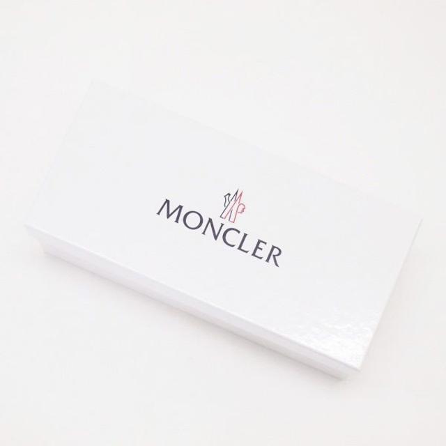 MONCLER(モンクレール)の11 MONCLER BASILE ホワイト サンダル シャワーサンダル 44 メンズの靴/シューズ(サンダル)の商品写真