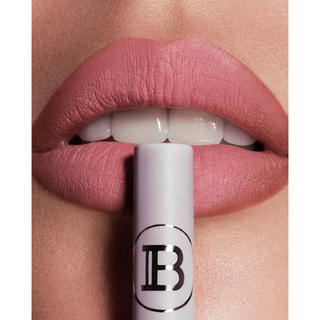 カイリーコスメティックス(Kylie Cosmetics)のKYLIE COSMOS×BALMAIN★PARIS MATTLIP KIT(口紅)