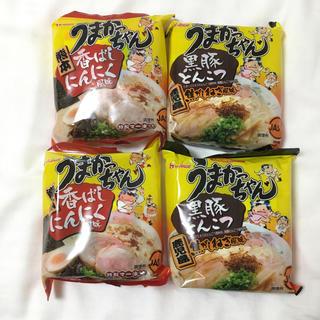ハウスショクヒン(ハウス食品)のうまかっちゃん 4食 (黒豚とんこつ2食 香ばしにんにく2食)(インスタント食品)